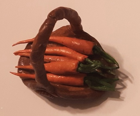 DBK -  Carrot Basket Clay