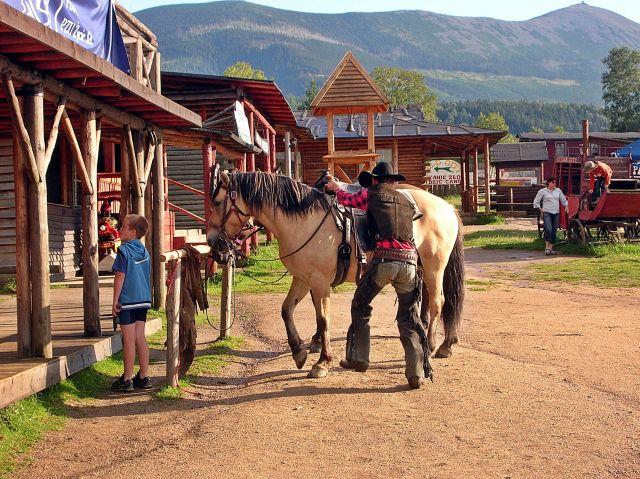 Ścięgny, western, dziki zachód