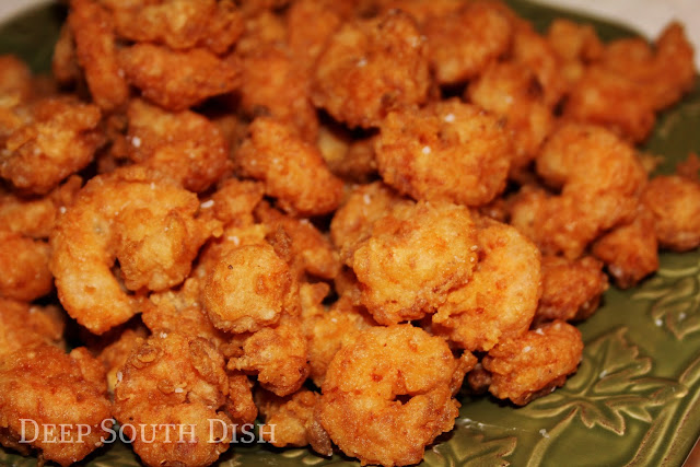 Gulf Coast Shrimp dusted with a light coating of seasoned flour and deep fried to crunchy perfection.