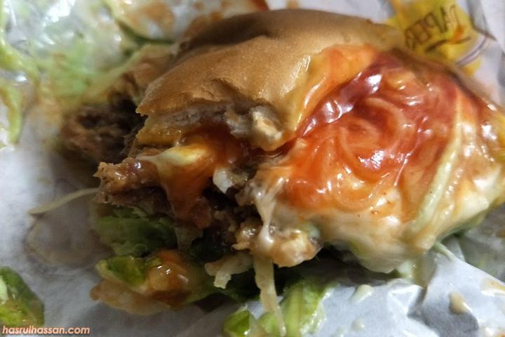 Sedapnya Burger Banjir Parit Buntar