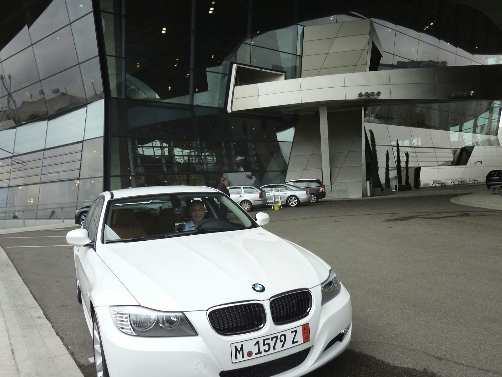 2010 bmw e90 sedan [ 1600 x 1200 Pixel ]