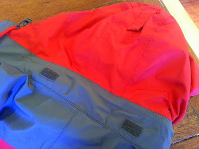 Trespass Ladies Raincoat Review. rear of hood
