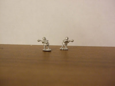 SKU: KJ0216/85 2 Figures armed with Panzerfaust