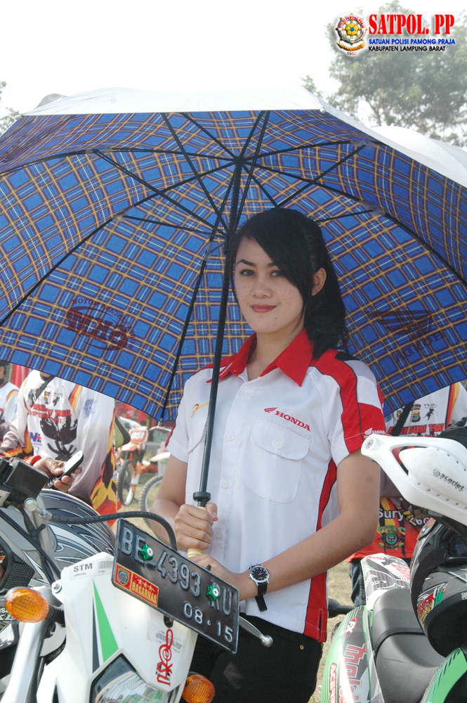 Umbrella Girl Honda