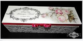 Skrzynka na wino dla Młodej Pary – ornamenty , cyrkonie i róże – Decoupage.