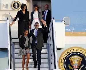 Barack, Michelle and their daughters in Berlin