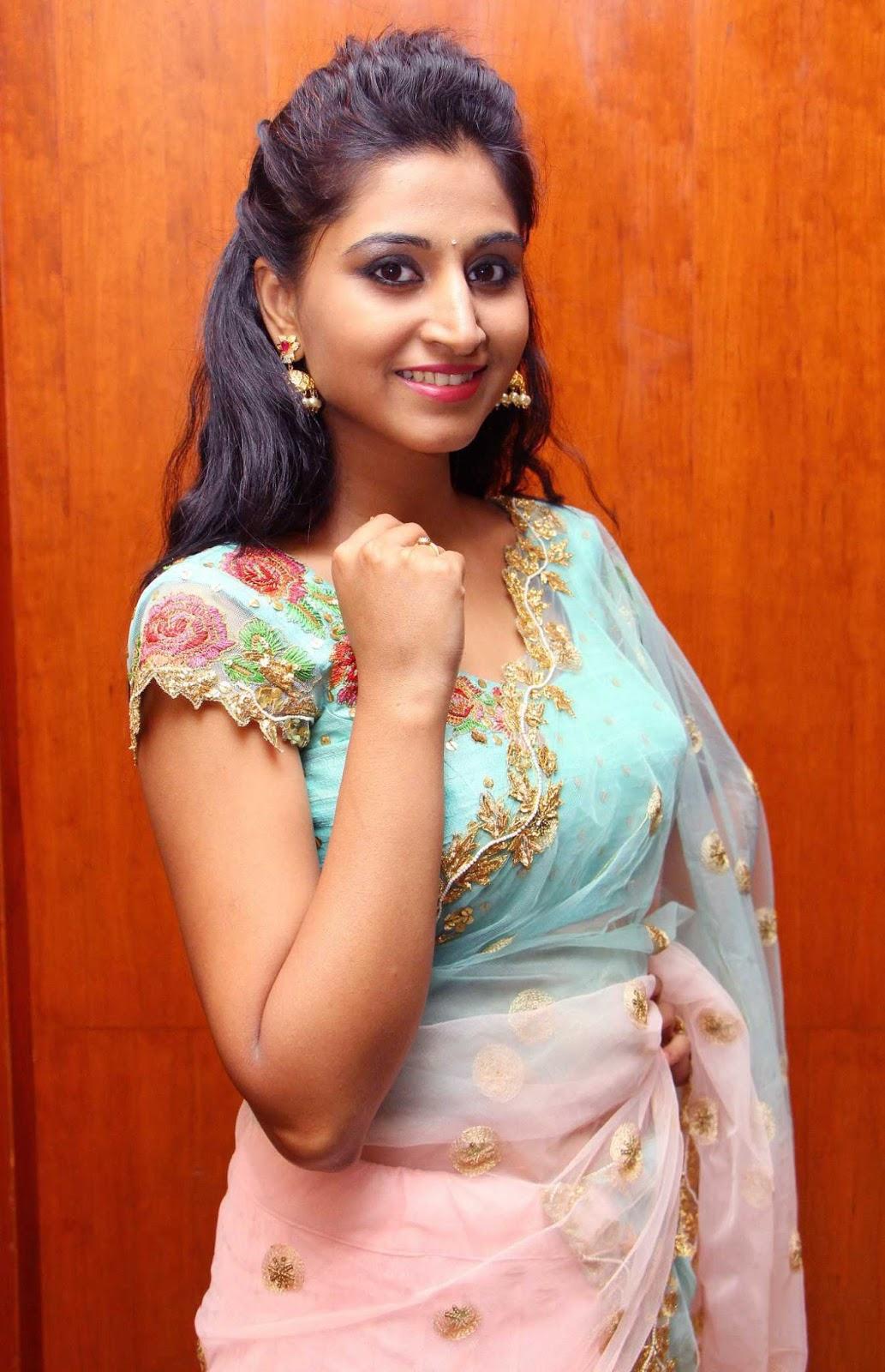 Model Shamili In Traditional Pink Half Saree At Exhibition