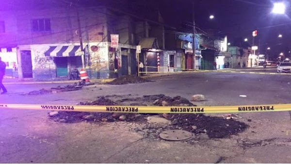 Se abre en Ecatepec socavón de 2 metros