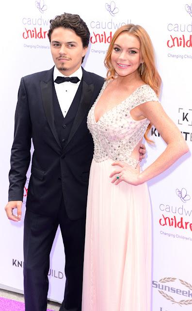 Anel Lindsay Lohan, esmeraldas e diamantes