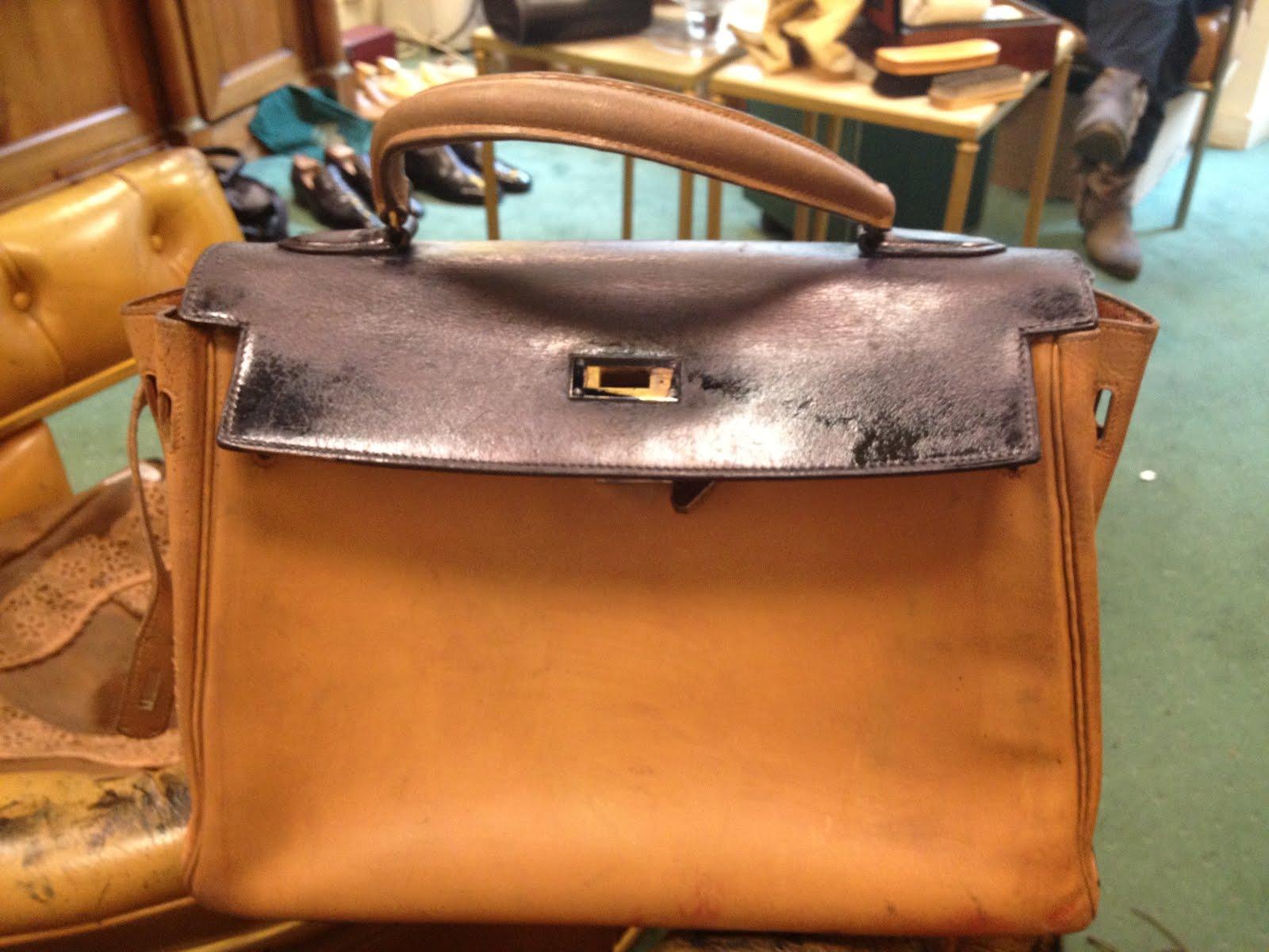 dd3bcaa35f4 Salon cireur TALON ROUGE © Paris  Teinture d un sac beige en noir de ...