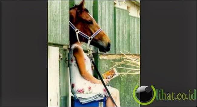 Wanita Berkepala Kuda