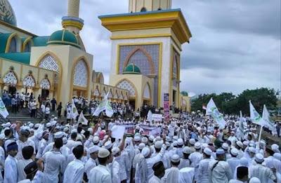 Tak Terima TGB Dihina, Hari Ini Warga NTB Akan Nyatakan Sikap di Islamic Center