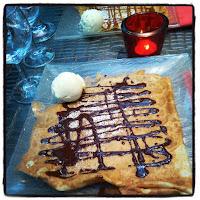 crêpe au chocolat et boule de glace vanille
