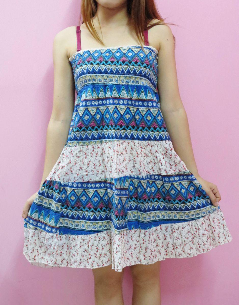 Váy hoa văn thổ cẩm