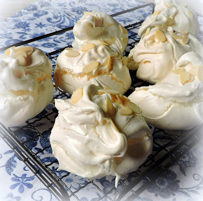 Perfect Meringues - A Tutorial