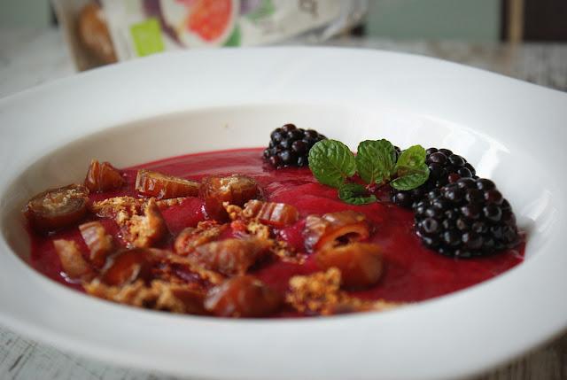 symbio,figi,daktyle,jeżyny,buraki czerwone,mięta,zdrowe,detoks,zdrowe jedzenie,