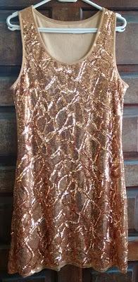 vestido dourado paetês tam G