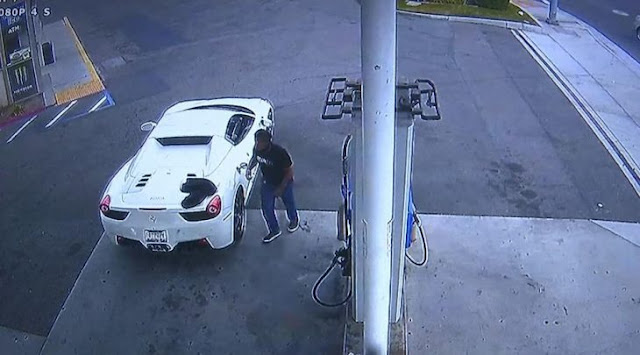 Genio se roba un Ferrari 458 Spider y huye; lo detienen porque no le sabía poner gasolina