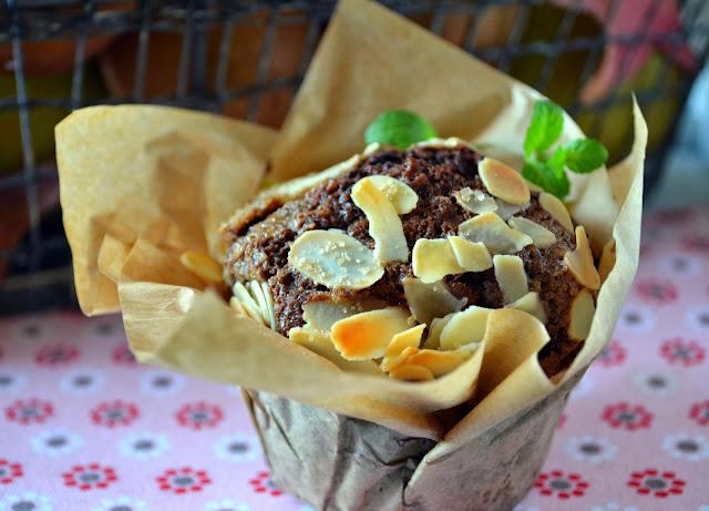 muffiny-z-gruszka1 Muffiny z gruszką i migdałami