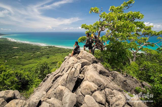 Pemandangan dari Puncak Fatuberoun