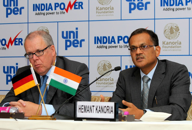 Klaus Schafer, CEO Uniper with Mr Hemant Kanoria, Chairman of IPCL at the press conference in New Delhi-