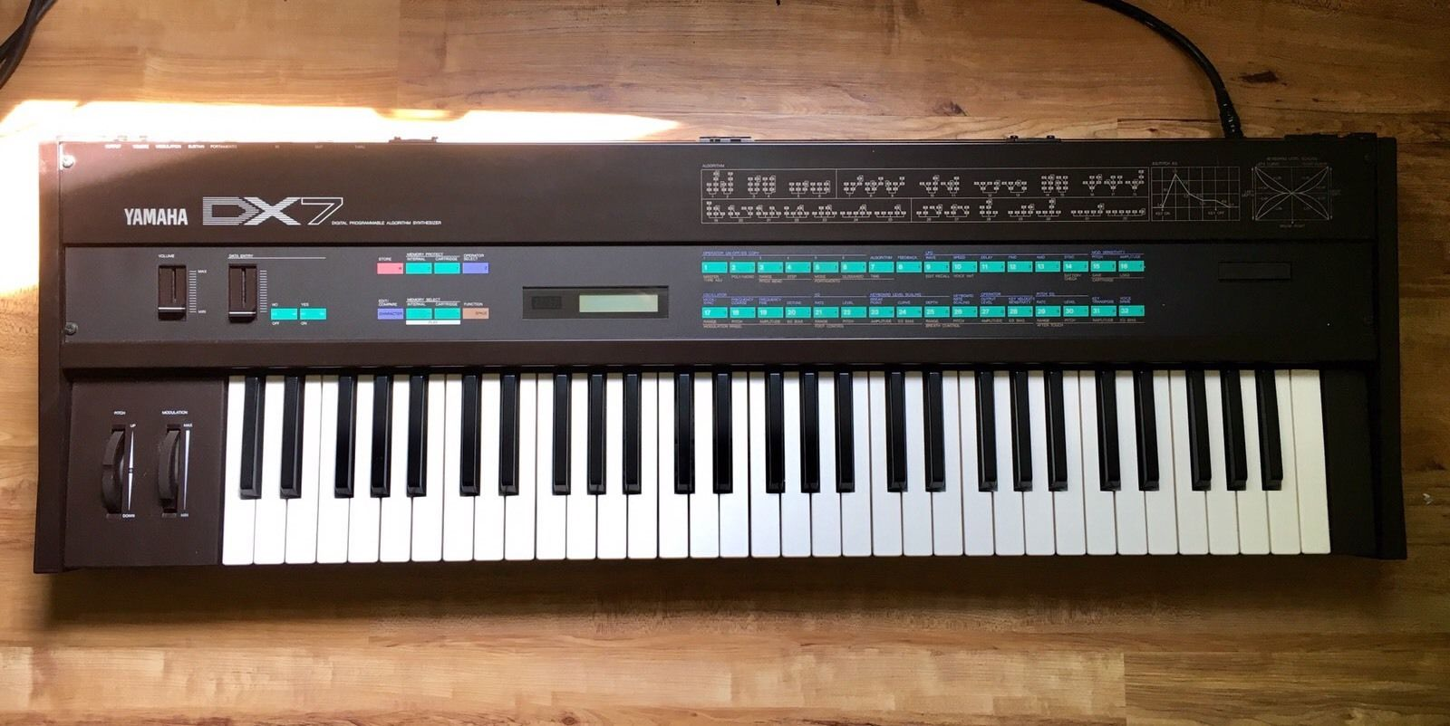 MATRIXSYNTH: Yamaha DX7 (w/ 5 ROM Cartridges!) Digital FM