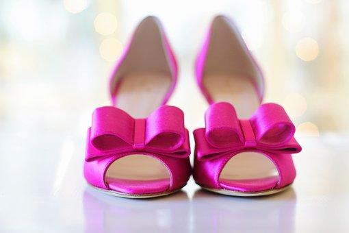 buty%2B%25C5%259Blubne - Jak wybrać buty ślubne?