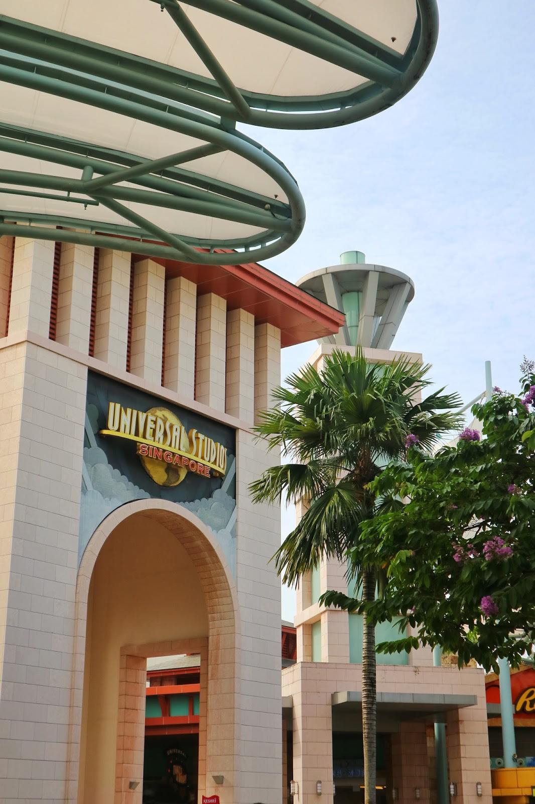 The entrance - Universal Studios Singapore