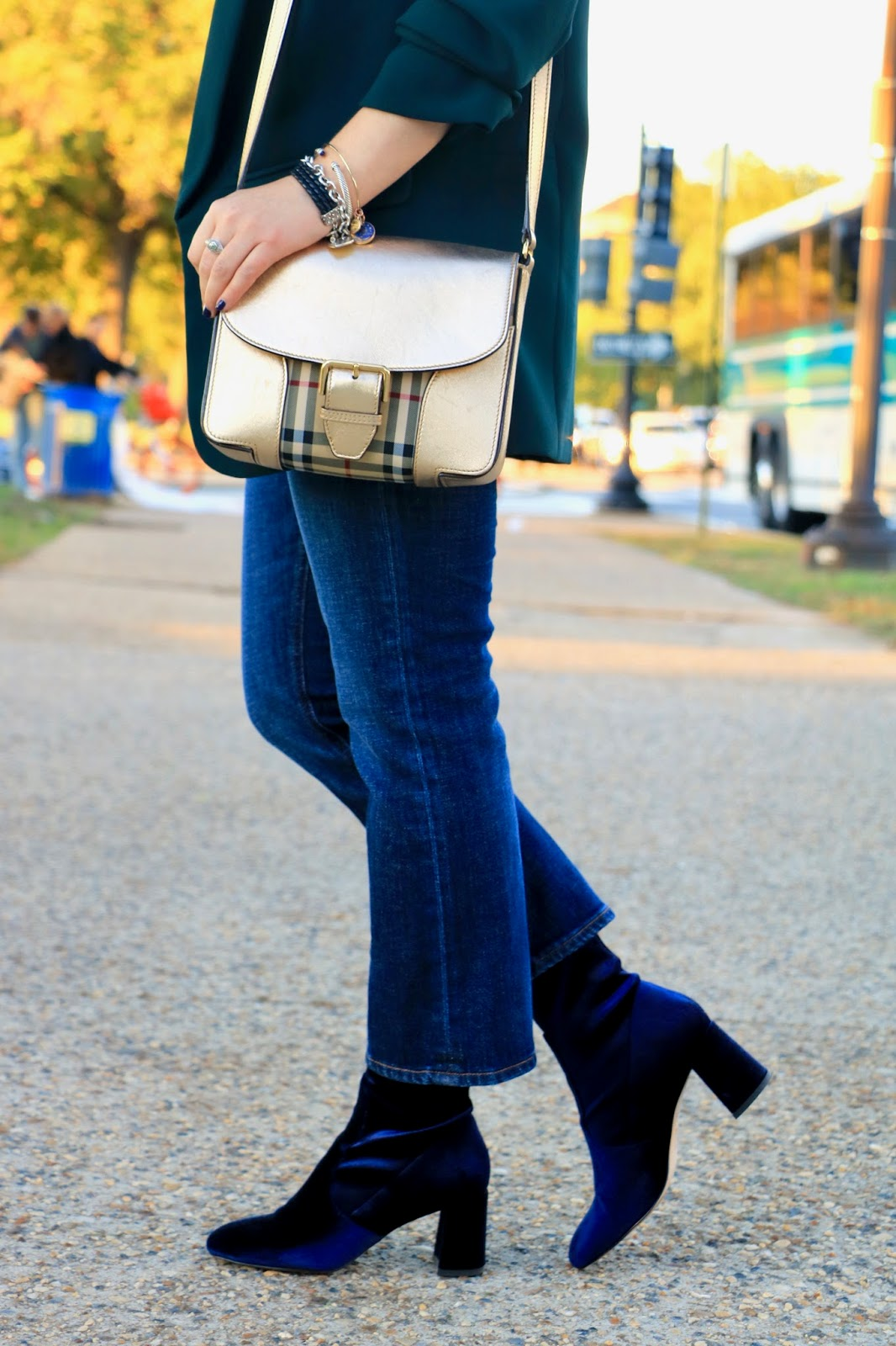 Nyc fashion blogger Kathleen Harper wearing crop flare jeans from Jcrew