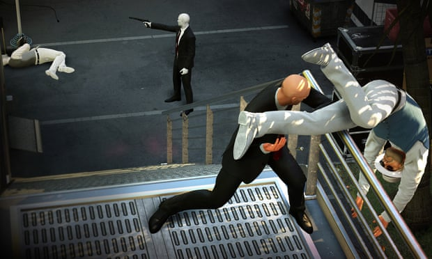 Hitman 2 in multiplayer mode.