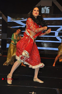 Bollywood Actress Model Sunny Leone Dance Performance in Red Half Saree at Rogue Audio Launch 13 March 2017  0034.jpg