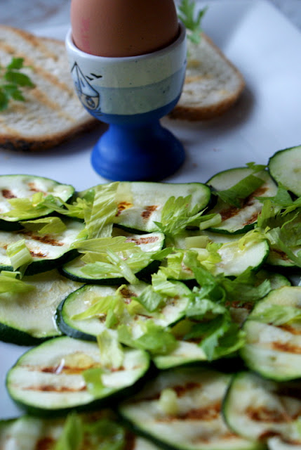 wrzodziejące zapalenie jelita grubego dieta,WZJG co jesc,sniadanie dietetyczne,olej z ostropestu