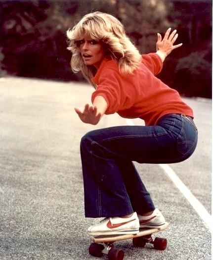 Skirtboarders – Grupo de skatistas formado só de mulheres  bdca0483c14