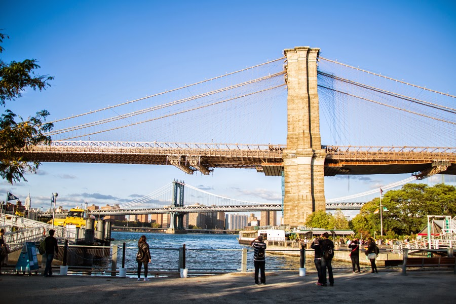 Surprise proposal by the Brooklyn Bridge - www.cassiecastellaw.com