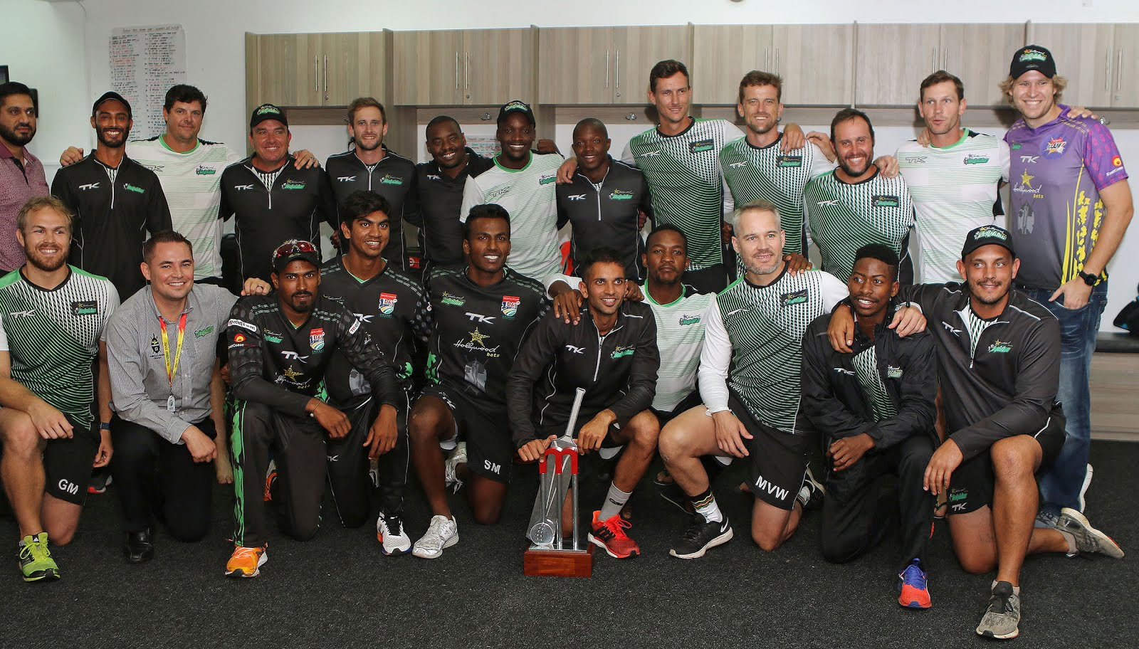 Hollywoodbets Dolphins - Momentum One Day Cup Champions - 2017/18 Season - Team posing