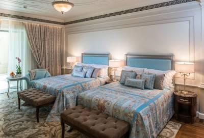 فندق بلازو فيرساتشي دبي