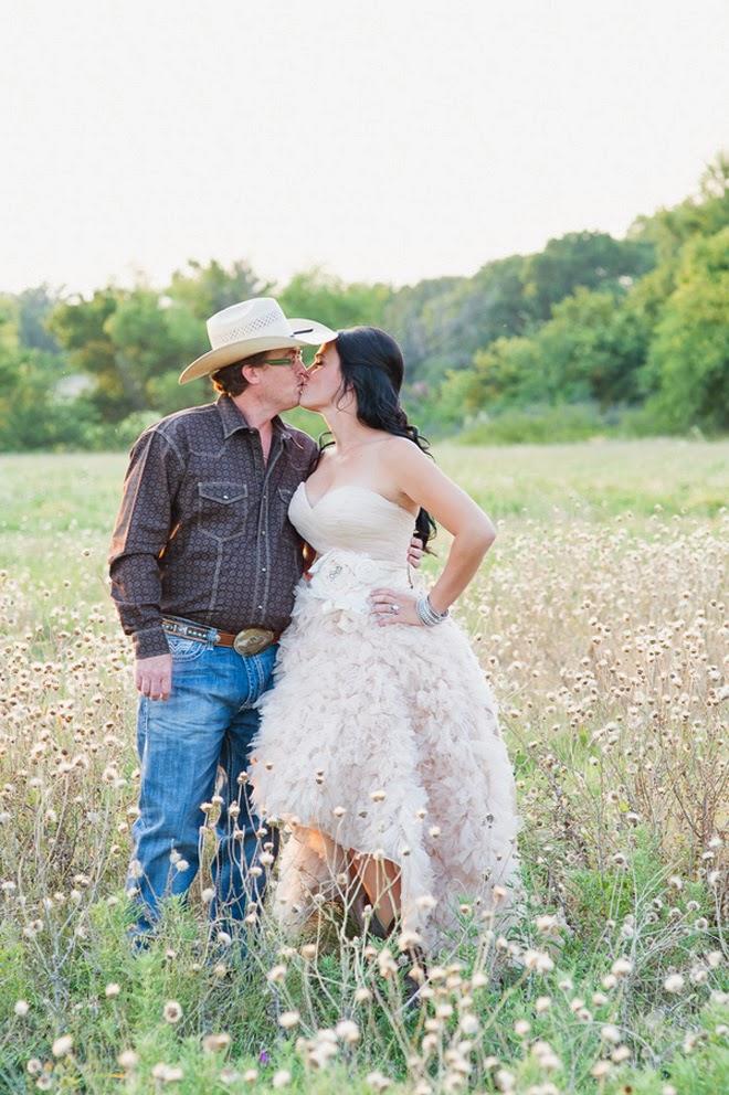 cowboy-wedding-7 Western Chic Wedding Ideas