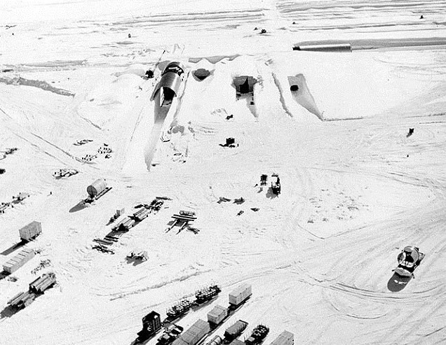 Superficie de Camp Century en 1959. Créditos: US Army Corps of Engineers.
