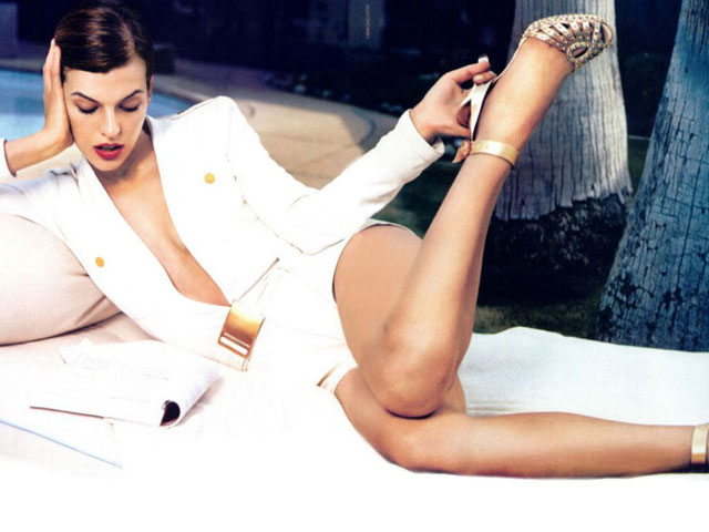 WORLD HOT AND SEXY CELEBRITIES: Milla Jovovich Sexy Image