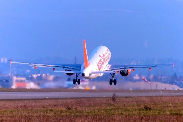 7 Tips Rahasia Mendapatkan Tiket Pesawat Murah