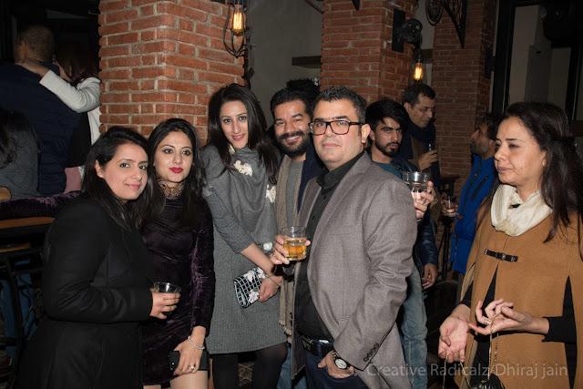 Sakshi Kapoor+Esha Chadha+Ashna Bahl Chadha+Nipun Chadha+Saurabh Kapoor