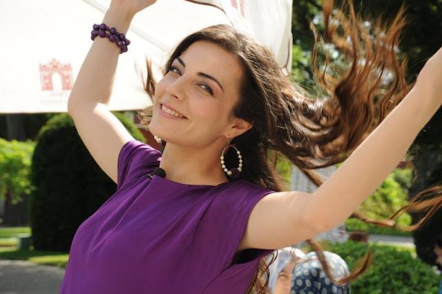 """BIOGRAFIE: Burcu Kara, actrița din serialele """"Două vieți, o dragoste și """"Înainte de sfârșit"""""""