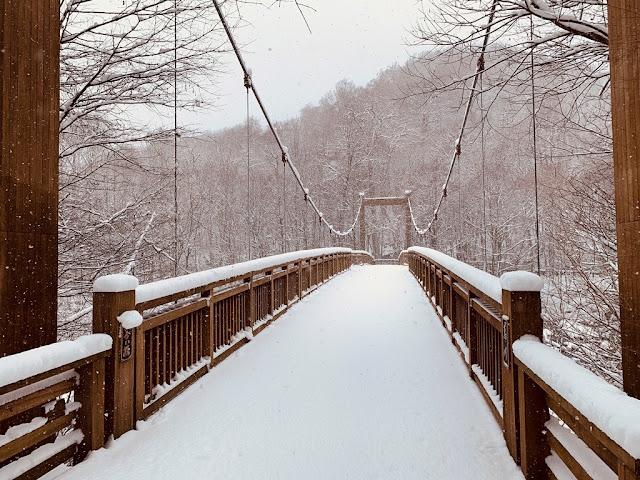 奧入瀨溪吊橋雪景