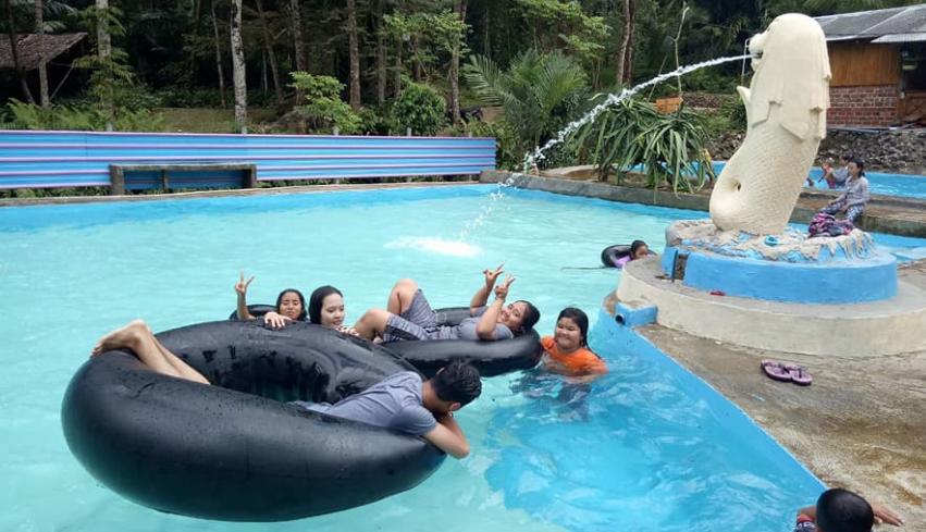 Kolam Sajje Bawean, Rasakan Sensasi Berenang Di Kolam Dengan Air Asli Pegunungan
