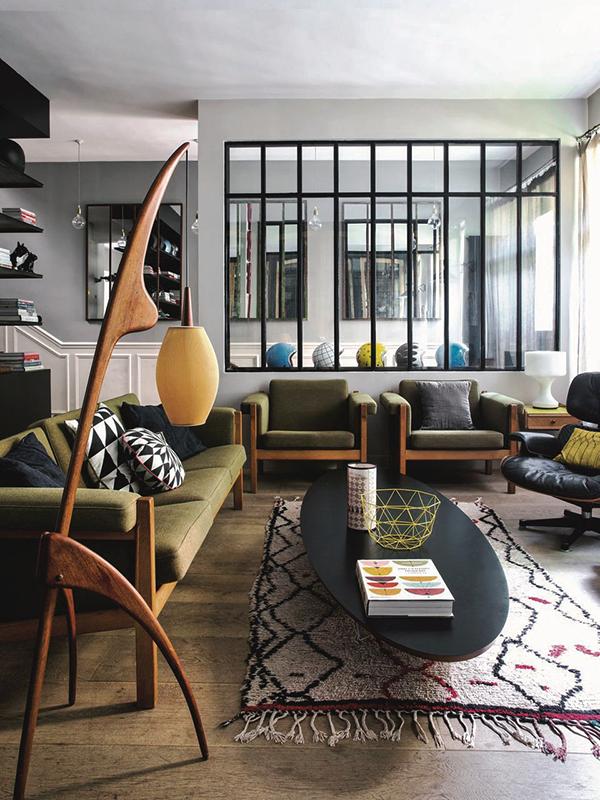 Parisian studio house with a retro twist.