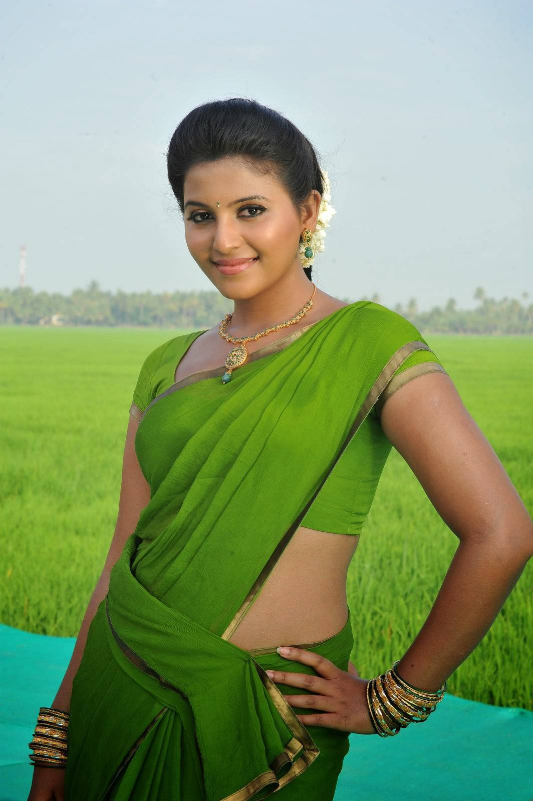 Anjali Photos In Spicy Green Saree