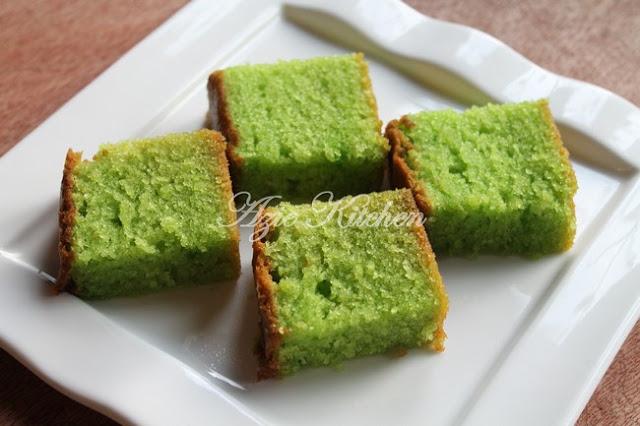Kek Pandan Lembab Sedap Azie Kitchen
