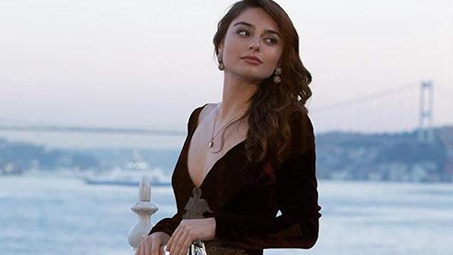 Ayça Ayşin