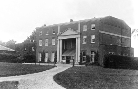 Photograph of Potterells House front view taken c1900
