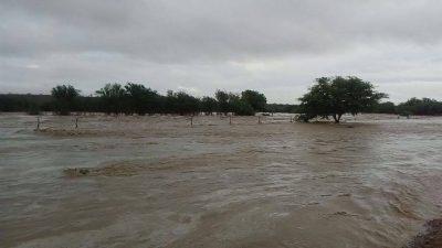Forte chuva caída em Desterro faz Rio Taperoá transbordar e água segue para Boqueirão